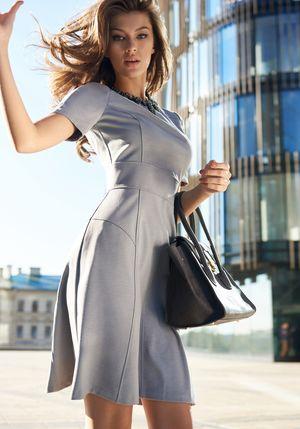 ПлатьеПлатья<br>Состав: 89% полиэстер, 9% вискоза, 2% эластан<br>