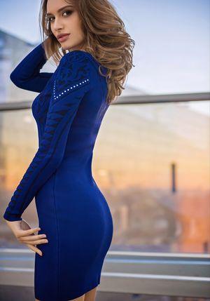 ПлатьеПлатья<br>Состав: 74% вискоза, 25% полиамид, 1% эластан<br>