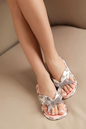 Туфли комнатныеТапочки<br>Состав: Верх обуви: 100% текстиль, Внутренняя отделка: 100% текстиль, Подошва: 90% текстиль, Подошва: 10% этиленвинилацетат<br>